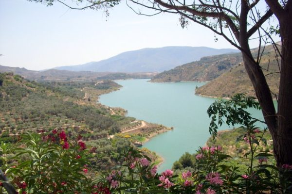 lake-beznar-lecrin-valley