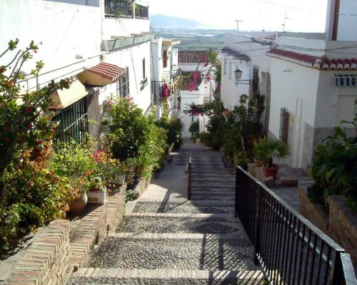 SALOBRENA-CASCO-ANTIGUO-calle-andres-segovia-1024x768